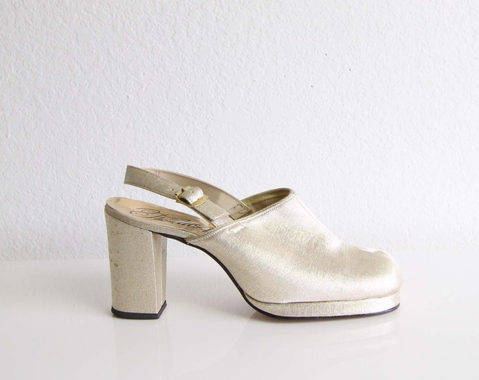 Vintage Gold Heels 1970s Platforms Womens Shoes Size 7.5