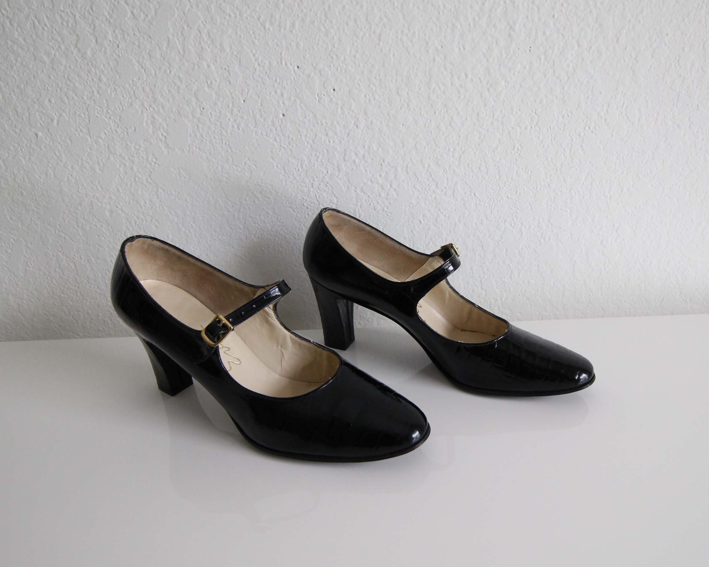 b12d8338455 Vintage Mary Janes Womens Shoes Black Patent Leather Heels