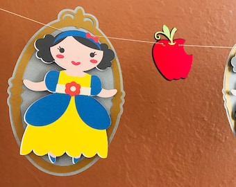 Snow White inspired garland - fairest of them all inspiration - Ideal for Birthday's -Princess party theme -Candy bar table decor -Tea Party