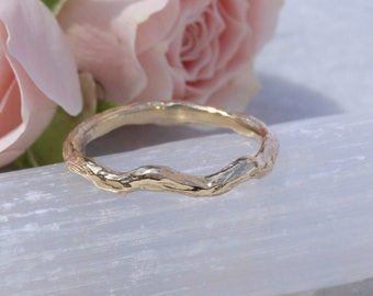 Branch with Knots Wedding Band