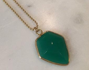 Green Onyx Shield Pendant, Gold Layering Necklace, Dainty Necklace, Gemstone Necklace, Gold Necklace, Layering Jewelry, Simple Gold Necklace