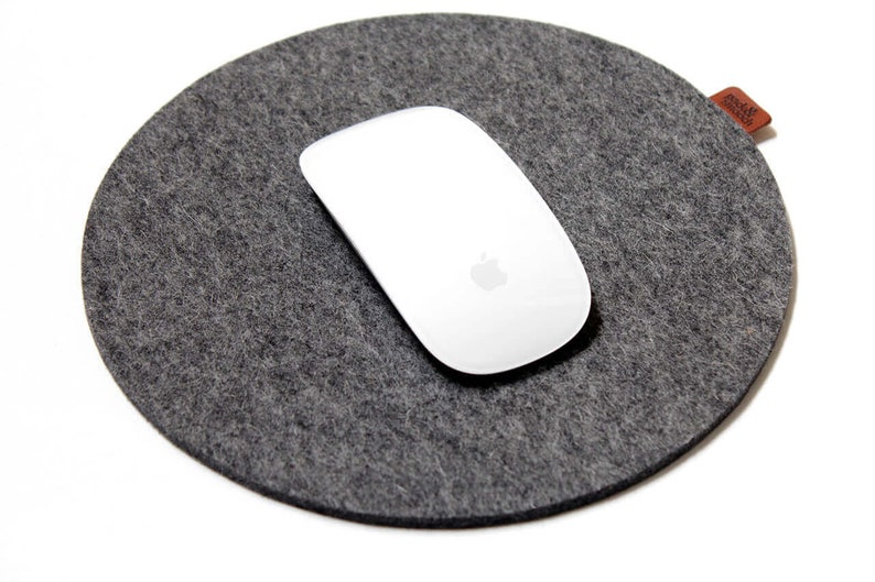 Pack & Smooch Mouse Pad Round 100% wool felt  Special image 0