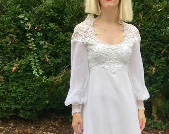 Sz 0 Trés Chic 1960s Mod Wedding Dress
