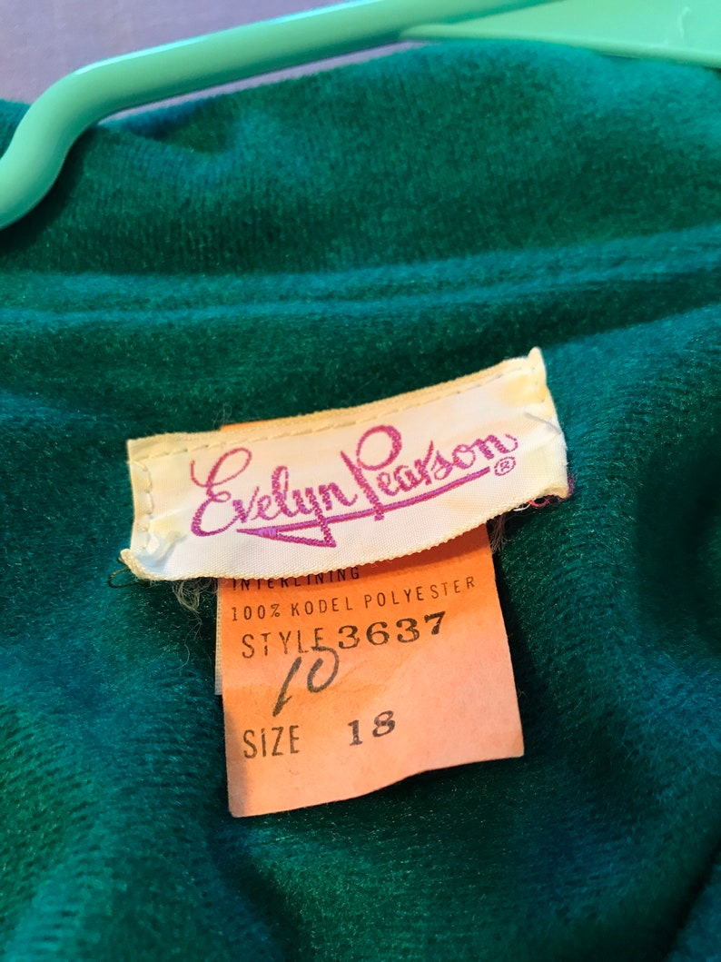 Sz 1214 Classic 60s Green Velour and Vibrant Geo-Paisley Maxi Hostess Gown by Evelyn Pearson \u00a0