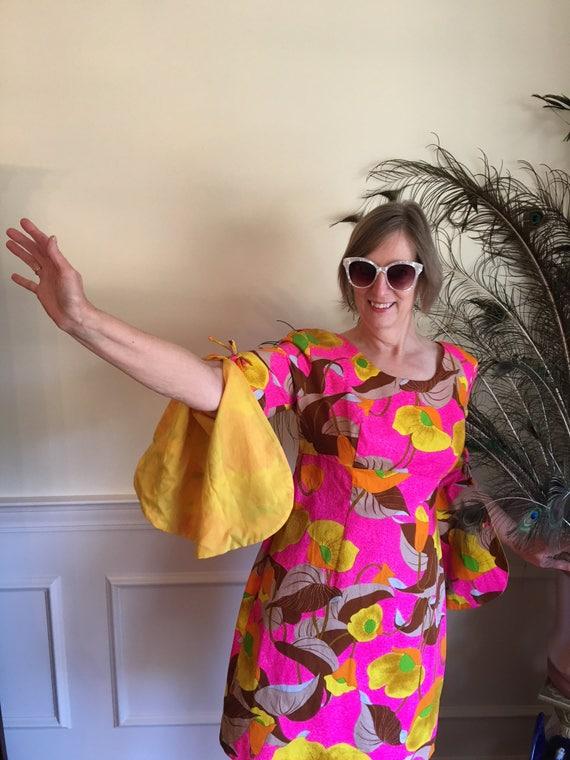 Sz 10/12 RARE 70s Hot Pink Hawaiian Punch Mod Dres