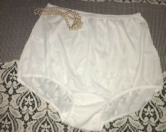 Carole Children/'s 100/% Nylon Full-Cut White Brief Size 12