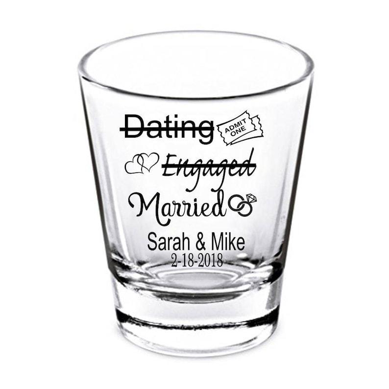 Suuri internet dating avaajina. Dating linjat dekoodata yahoo.