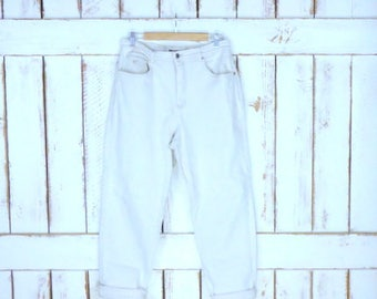 90s white stretch high waisted tapered denim jeans/white Gloria Vanderbilt jeans/16