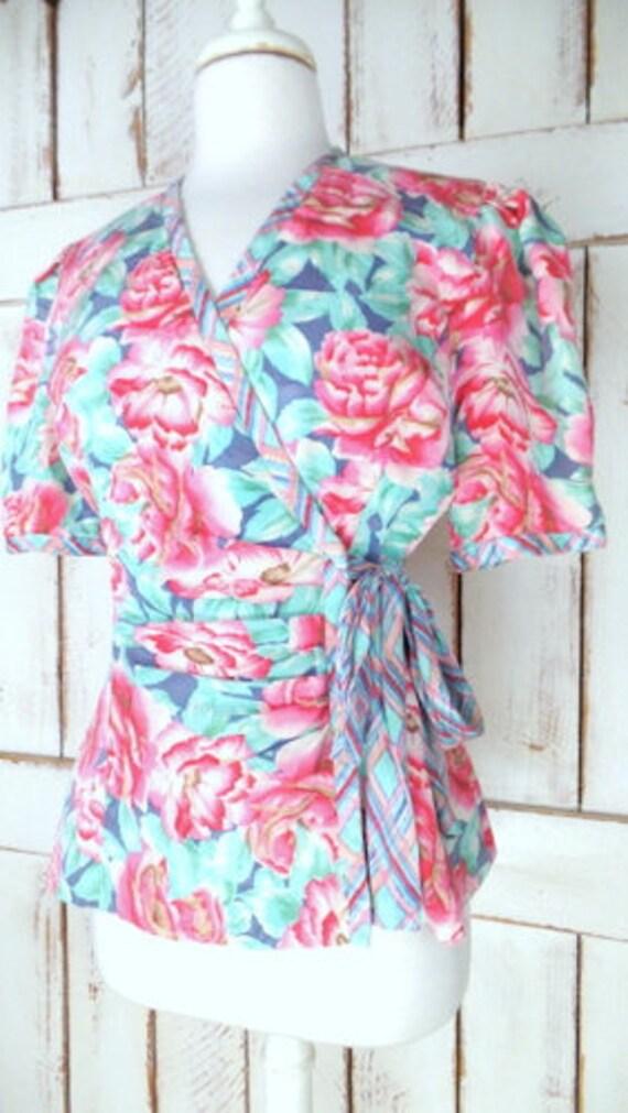Vintage pink/blue floral silk short sleeve wrap b… - image 3