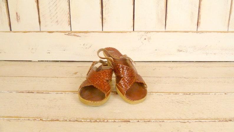 ab87443b6b9e3 Vintage woven brown leather open toe sandals/huarache sandals/kitten heel  shoe/6.5-7