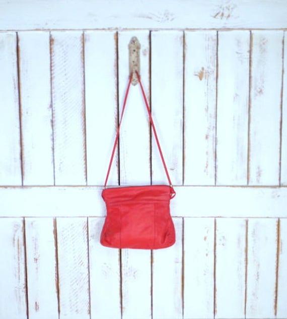 Vintage red leather purse/red leather shoulder bag
