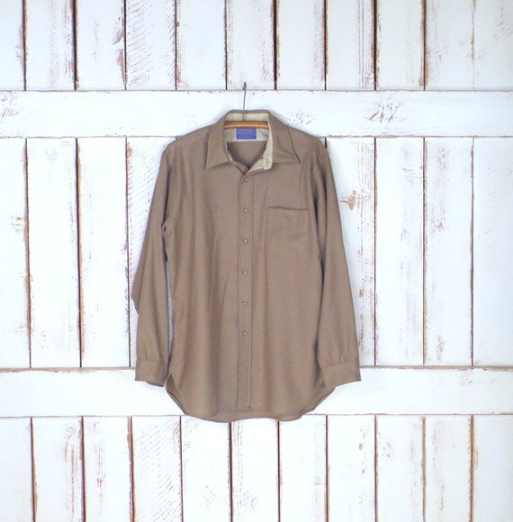 Vintage Pendleton light tan brown wool  button dow
