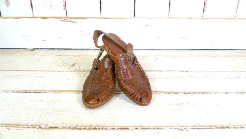 0943f1851d667 Vintage brown huarache style woven leather sandals/Bass braided leather  sandals/7