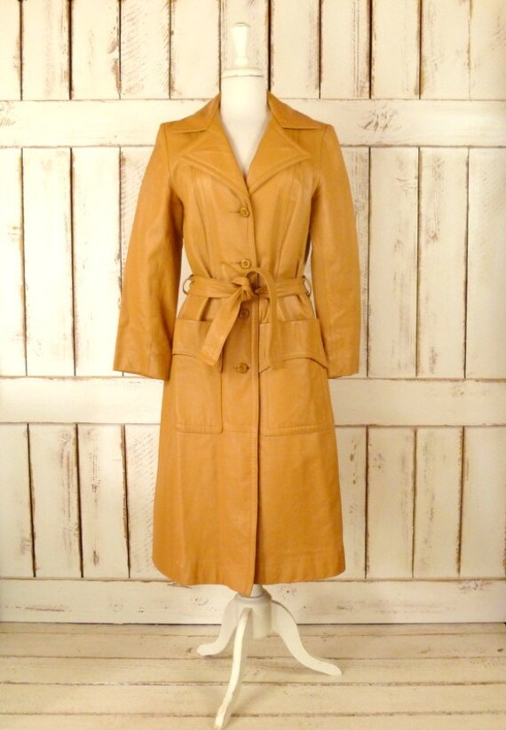 1970s vintage camel/tan leather trench coat