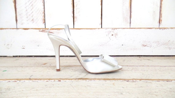 mariage bow mari satin blanc Helene talon sangle Martinez chaussures toe peep haut cheville talon blanc XRqZEwqnO6