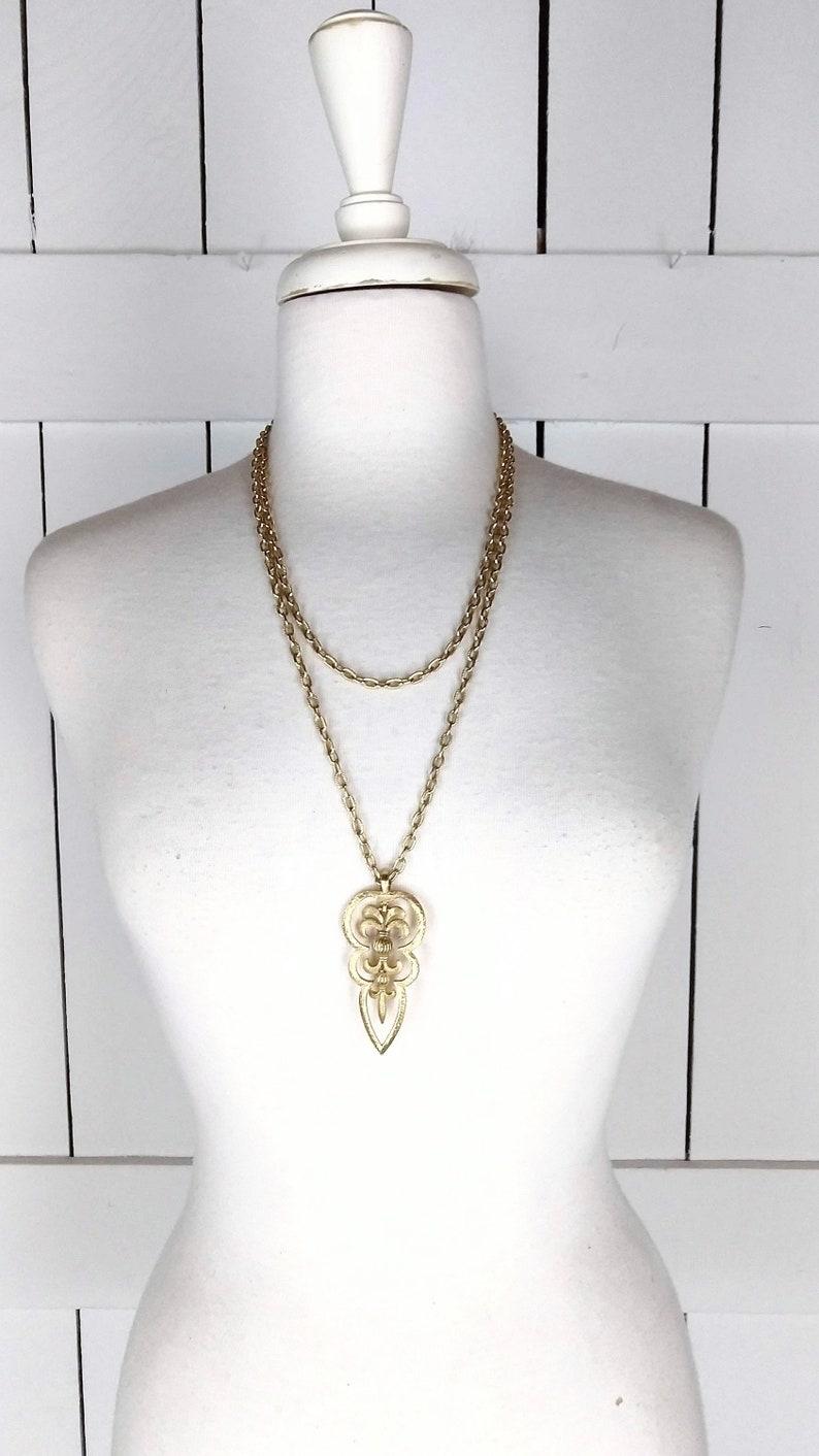 Vintage Trifari gold double chain pendant necklace