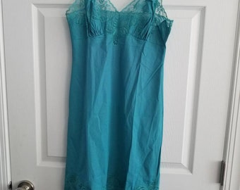 Vintage Van Raalte Slip Turquoise Butterfly Lace 1960s Nylon Size 34 Made in the USA As Is