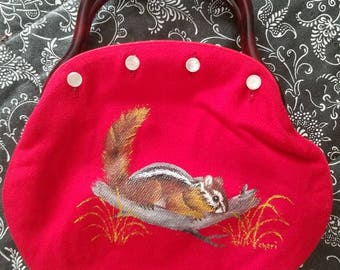 Vintage de Lanthe Red Wool Hand Painted Chipmunk Bermuda Bag Purse Lucite Handles 1960s 1970s Buttons