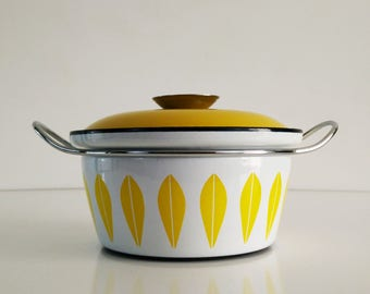 Catherineholm Yellow Lotus Dutch Oven / Enamelware / Mid Century Kitchen Decor