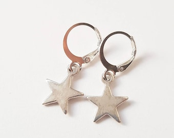 silver coloured  star earrings - minimalistic jewelry
