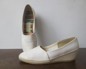 Vintage '60s OUTDORABLES by Daniel Green White Canvas Espadrille Wedge Shoes, US 7.5 - 8