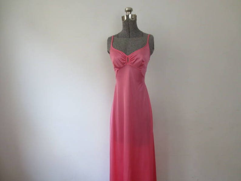 XS 32 Vintage /'70s Olga Shimmery Cotton Candy Pink Nylon Keyhole Nightgown