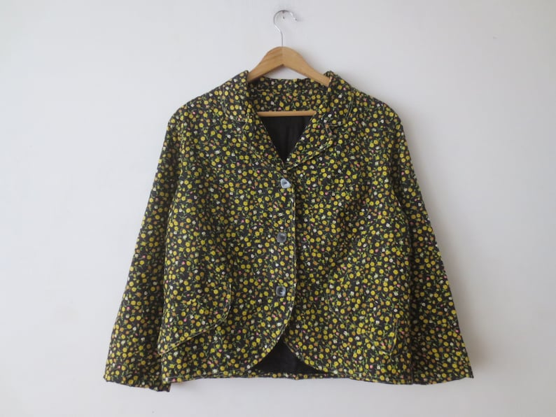 Vintage /'60s Black  Yellow Floral Cotton Cropped Blazer Jacket 40-42 Inch Bust Fully Line w Killer Square Buttons