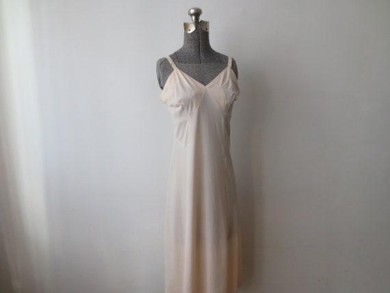 Vintage '40s/'50s Textron Pale Pink Nylon Full Sli