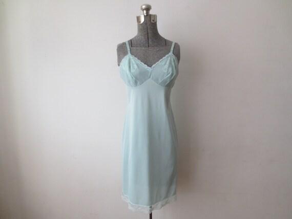 Vintage des années 60 ' Vanity Fair en Nylon bleu poudre plein de glissement w / dentelle & maille petit corsage, 34,