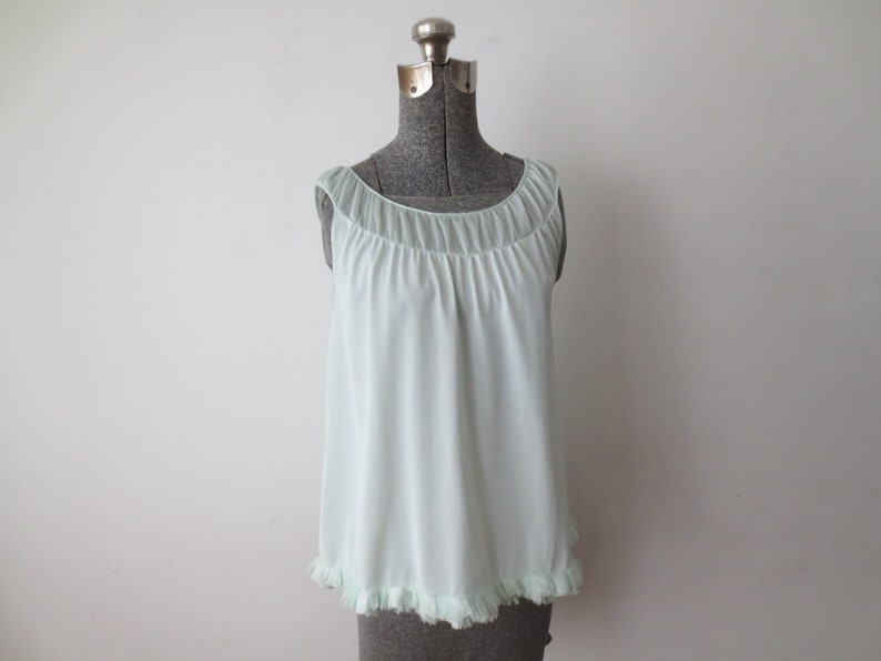 Sm Med Vintage /'50s Little Miss Rogers Pale Minty Green Camisole Nightie w Sheer Scoop Neck /& Layered Accordion Lace Trim