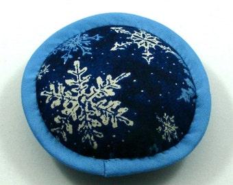 Christmas Cat Toy, Christmas Catnip Toy, Snowflake Cat Toy, Catnip Snowflakes, Classy Cat Toys, Snow Cat, Snowflake Pillow   SNOWFLAKES