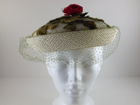 579cc6d3c93 Vintage Women s Faux Straw Pillbox Hat With Green Veil