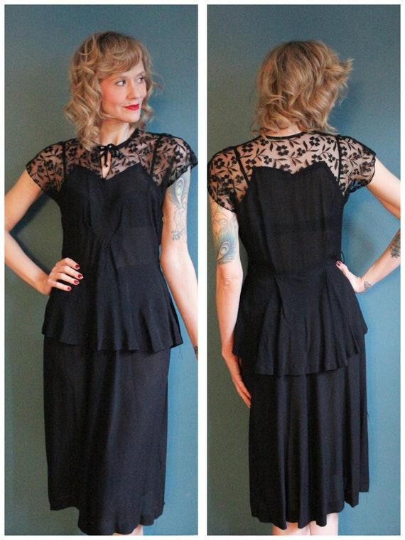 1940s Dress // Hinted Love Rayon & Lace Dress // v