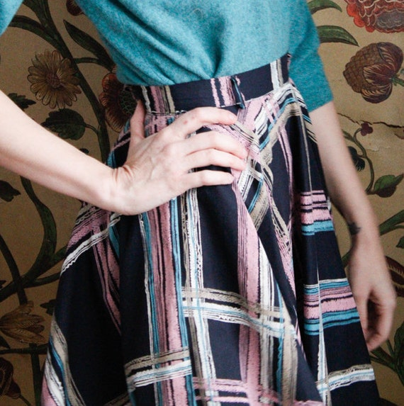 1950s Skirt // Large Plaid Swing Skirt // vintage… - image 7