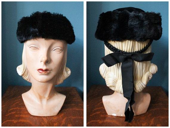 1930s Hat / Luxe Velvet & Fur Winter Hat / vintage