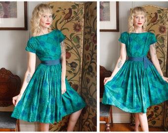 1950s Dress // Jewel Pattern Henley Jrs Cotton Dress // vintage 50s dress