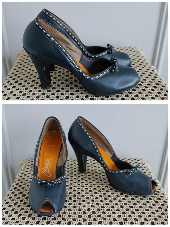 1950s Heels // Peek-a-boo Peep Toe Blue Heels // v