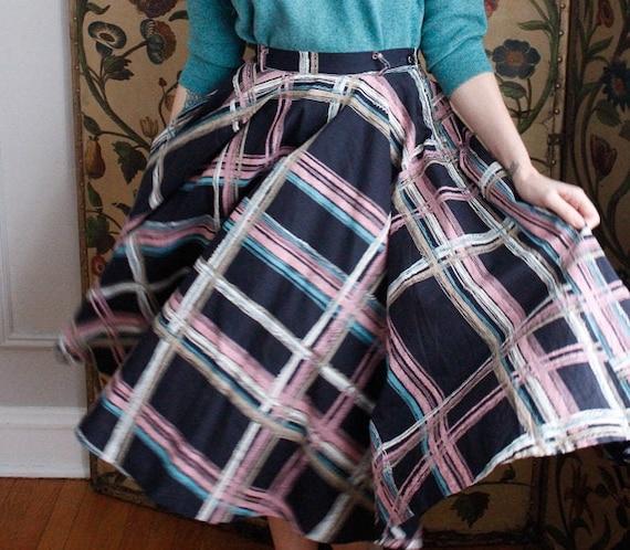 1950s Skirt // Large Plaid Swing Skirt // vintage… - image 4