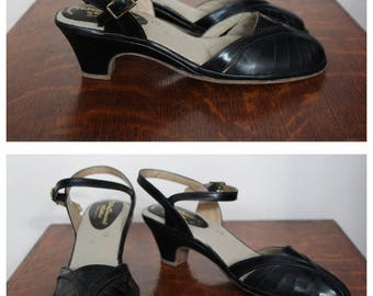 1970s Shoes // New Dimension Leather Heels // vintage 70s heels