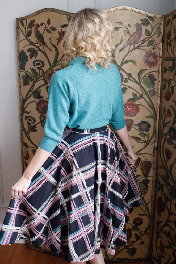 1950s Skirt // Large Plaid Swing Skirt // vintage… - image 10