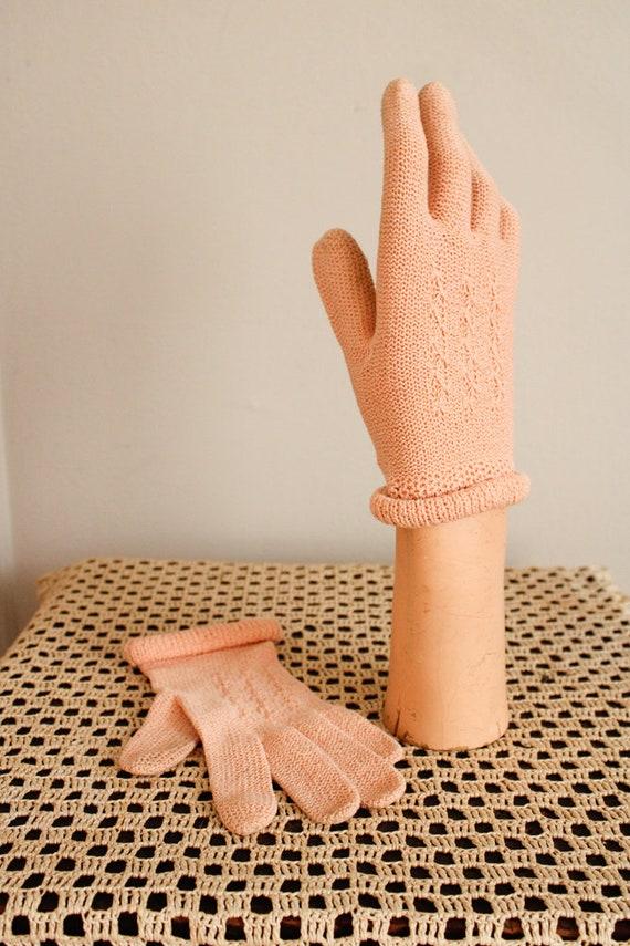 1940s Gloves // Pink Cotton Knit Gloves // vintag… - image 3