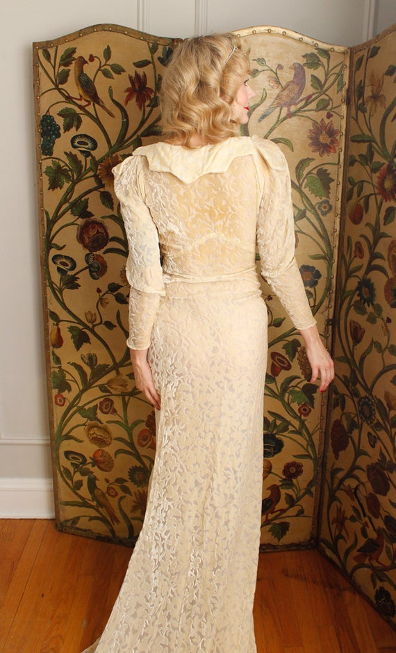 1930s Wedding Gown // Bewitching Silk Velvet Wedd… - image 9