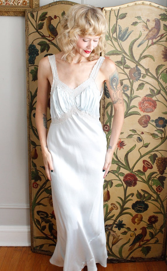 1940s Nightgown // Blue Rayon Bias Cut Nightgown … - image 2