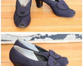 1940s Heels // Meill Navy Blue Heels // vintage 40s heels // 7N