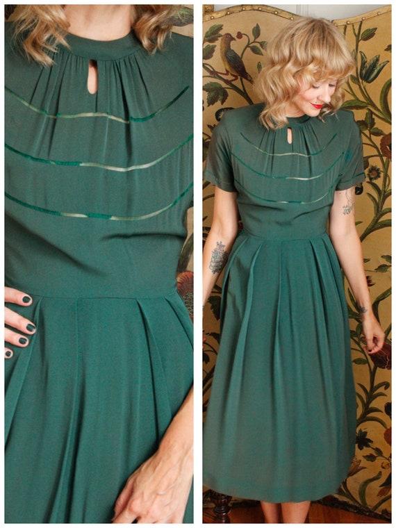 1940s Dress // June Patton Green Rayon Dress // vi