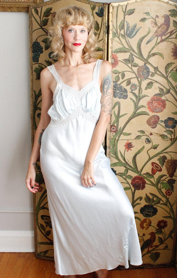 1940s Nightgown // Blue Rayon Bias Cut Nightgown … - image 4