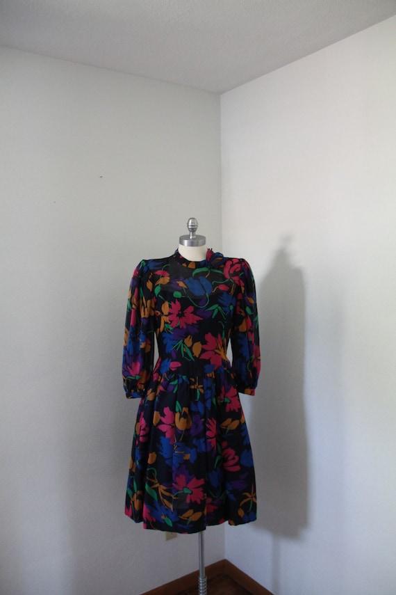 1980's Pauline Trigere Floral Dress - image 3