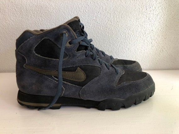 Vintage 1990's Nike Air Hiking Boots   Size 10.5 M