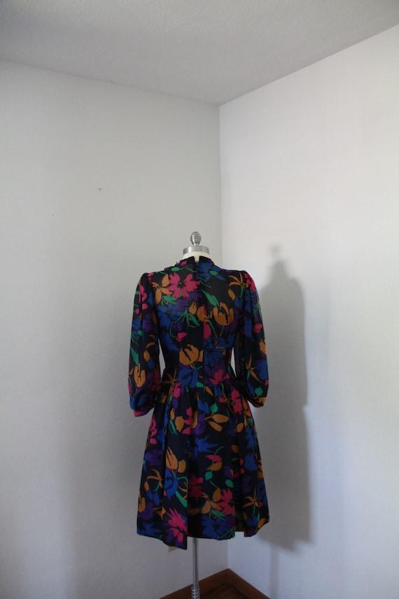 1980's Pauline Trigere Floral Dress - image 4