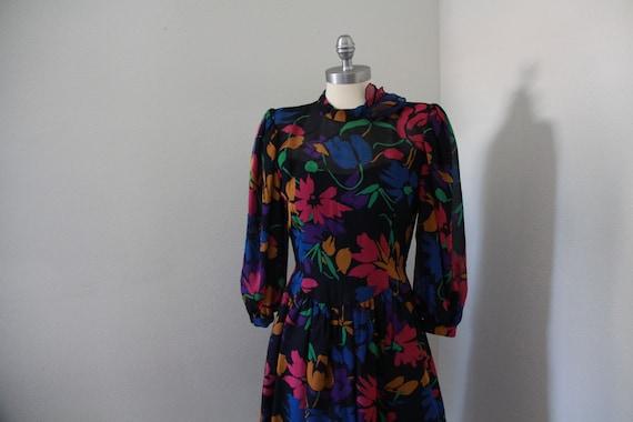 1980's Pauline Trigere Floral Dress - image 2